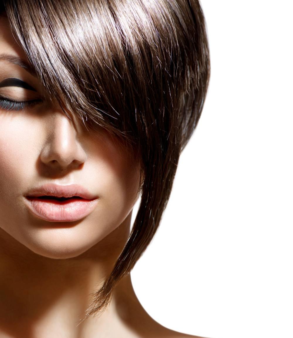 femme-cheveux-court